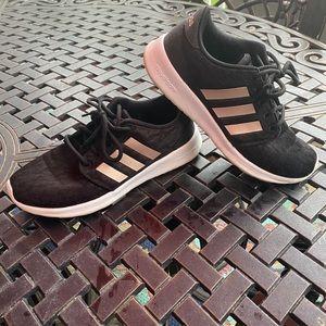 Adidas QT Racer black w/rose gold size 6.5
